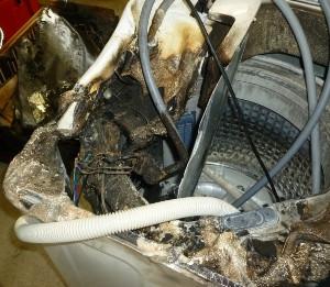 삼성세탁기가 화재로 손상된 모습