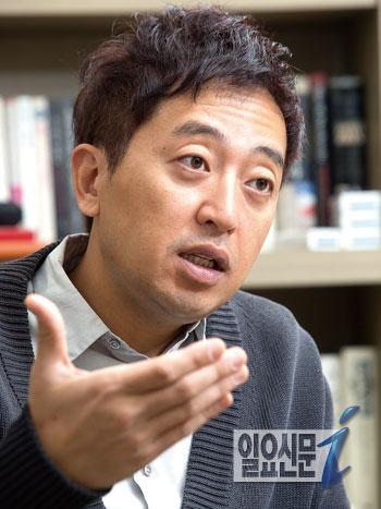 금태섭 변호사는 진심캠프의 가장 큰 문제는 소통의 부재였다며 박경철 원장이 안철수 후보의 결정을 좌지우지한 비선이었음을 밝혔다.