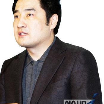 '불륜 스캔들' 강용석, 박원순 저격수 다시 나선 속사정