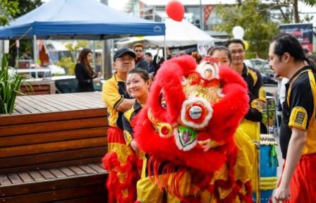 지난해 한가위축제 모습. 중국계가 다수 거주하는 지역에서 사자춤이 빠질 수 없다. 사진제공: RMCA