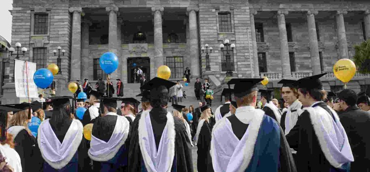 '학비대출 비용절감' 연방예산 핵심 부상