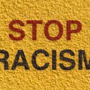 골드코스트 전차에서 인종차별적 폭언