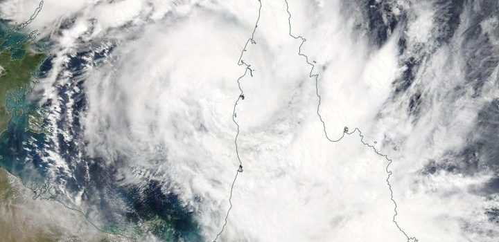 퀸즈랜드-서호주 열대성 사이클론 한번에 2개 위협