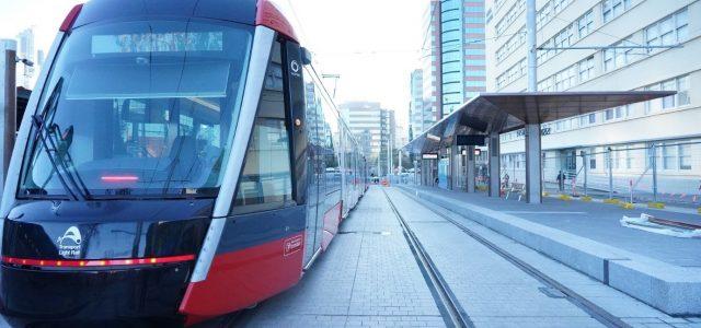 시드니 트램 시범주행 중 일촉즉발 사고 위험