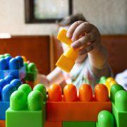 사립학교보다 어린이집이 더 비싸