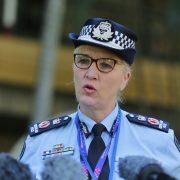 퀸즈랜드 경찰 공중보건 명령 단속, 즉석벌금 $1334
