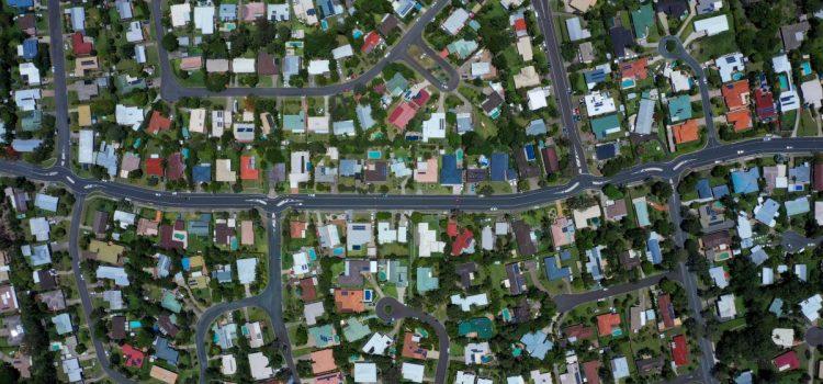 4월 주택거래 폭락, 가격은 안정화