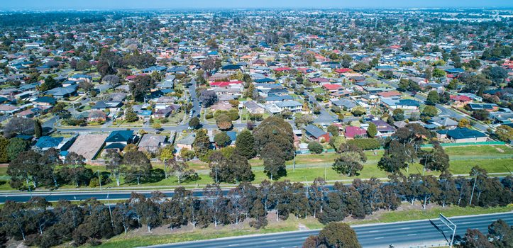 멜번 주택-유닛간 가격차 주도 중 2번째로 커 <br> 도메인 첫주택구매자 보고서 2020