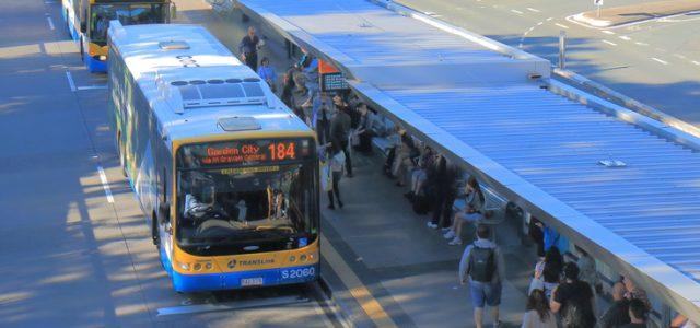 퀸즈랜드 대중교통 이용 오전은 분산됐지만 퇴근시간대 몰려