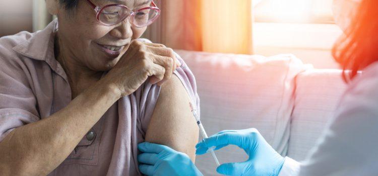 22일부터 70세 이상 어르신 백신 접종
