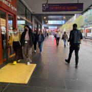 빅토리아주 봉쇄 출구계획 발표 10월 26일경 16세 이상 접종완료율70% 예상 – 외출규제・통금 해제